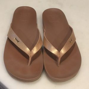 Reef flip flops Rose Gold sz 6